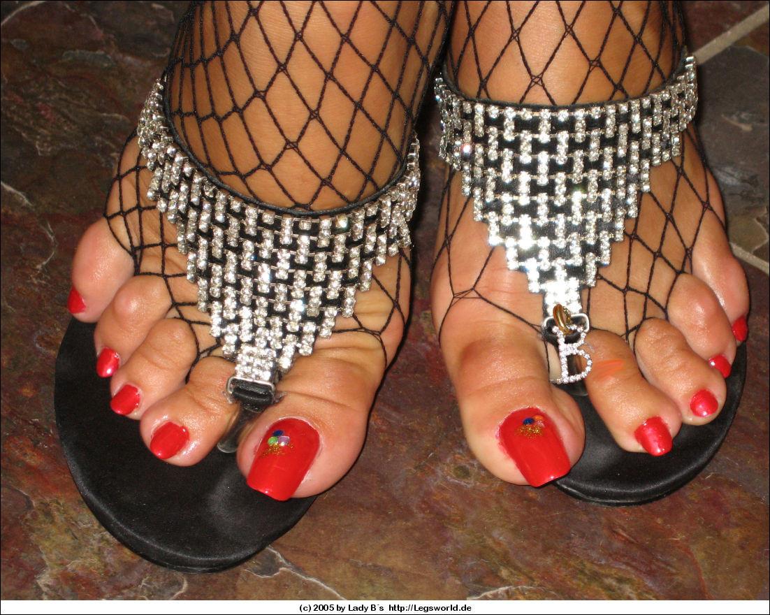 Mature Ebony Feet Worship