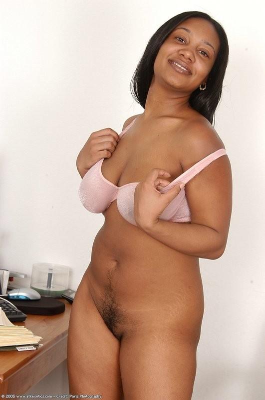 Hot girls nude in yoga pants