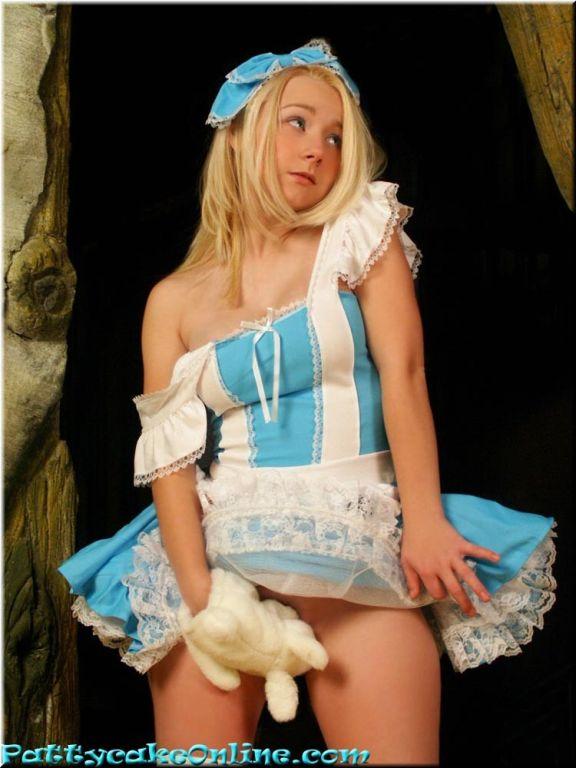 Busty blonde teen dressed like in fairytale