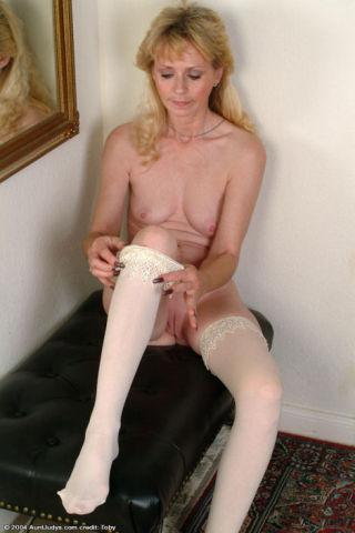 Slim Naked Granny Strips Stockings Off Slender Fee