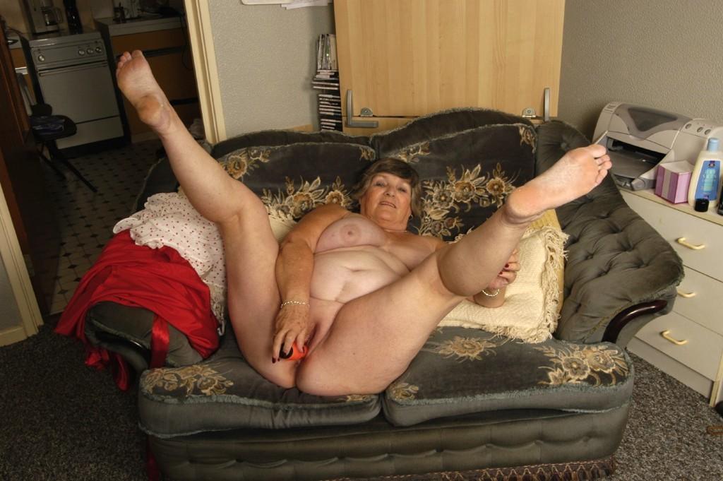 Asian slave girl nude