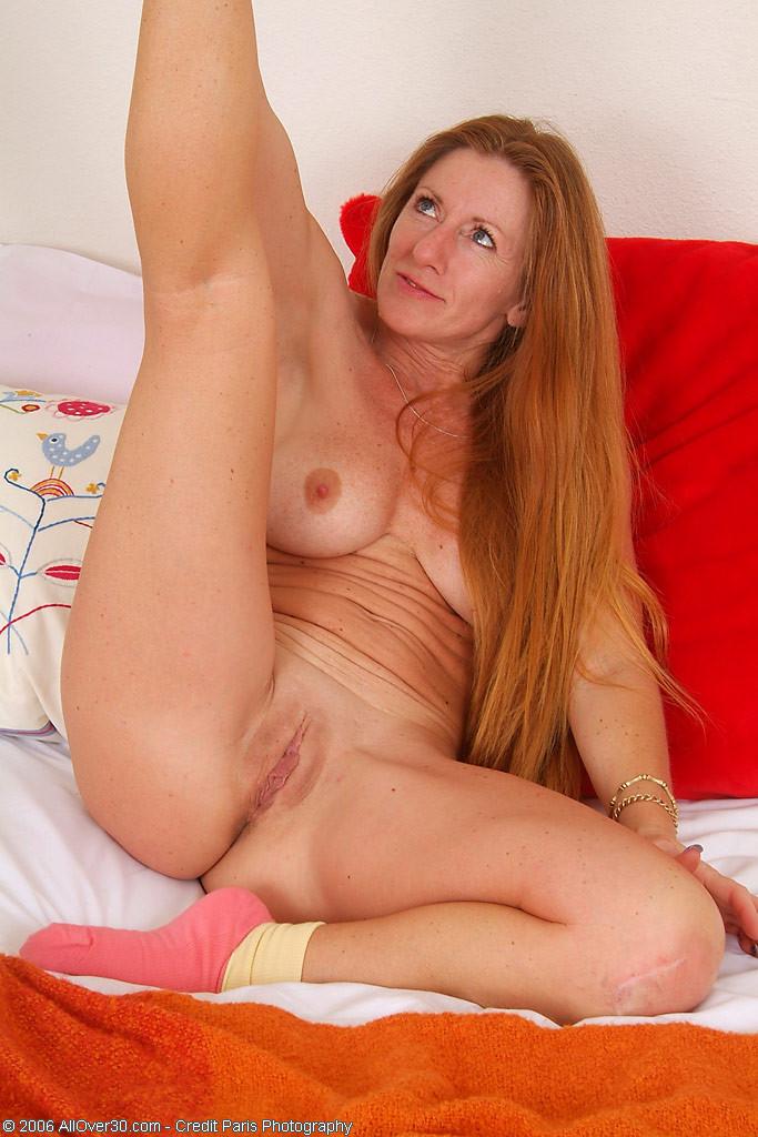 Hot nude amateur mom