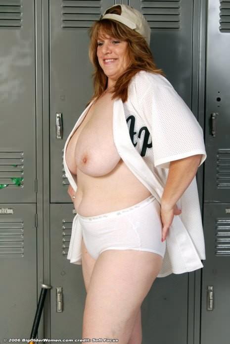 Mollige Frauen, die nackt Sport treiben — foto 15