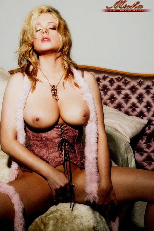 Sydney Moon busty blonde in lingerie
