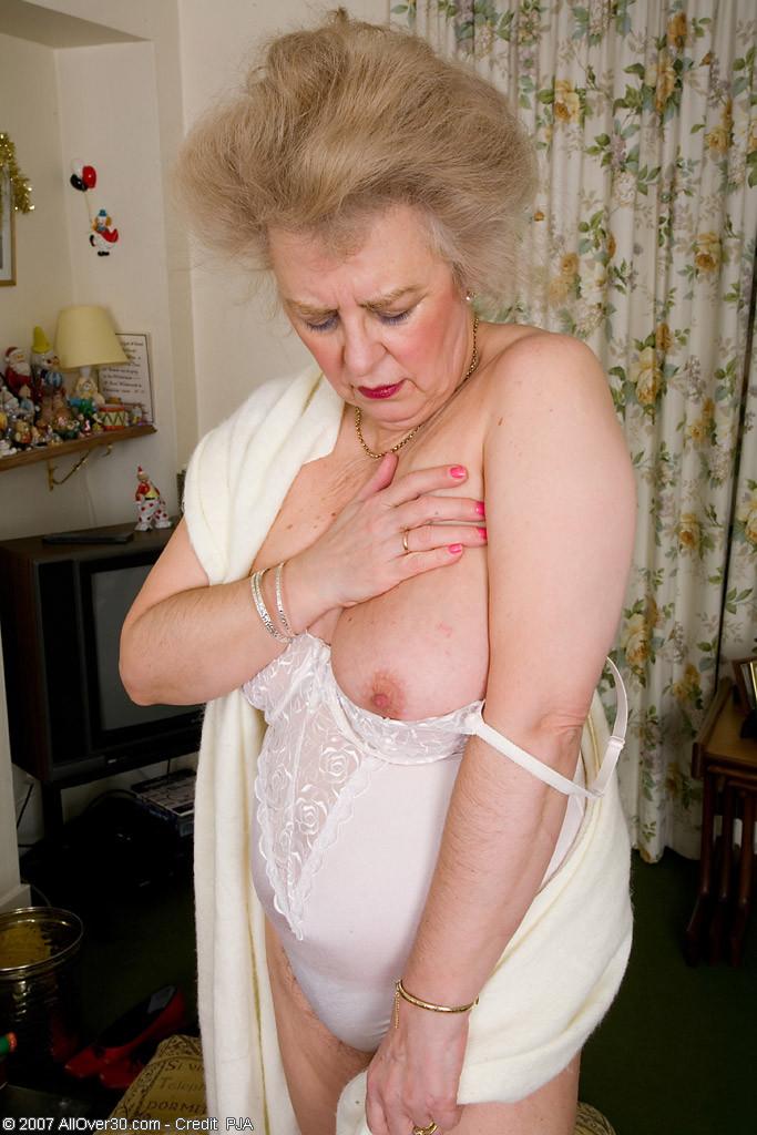 Granny hairy panty pics