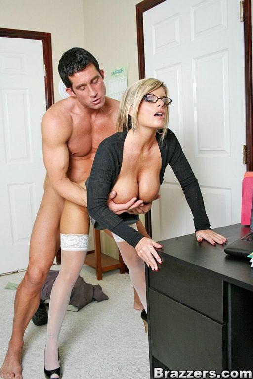 них еще порно выебал сиськастую секретаршу вторая часть