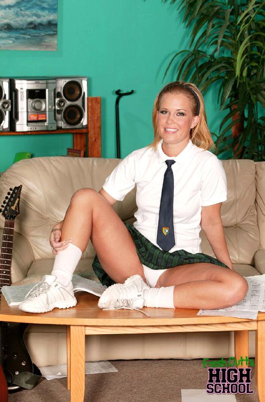 Young schoolgirl knox Sasha