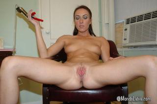 Sexy brunette pornstar Katrina Isis vacuum pumps h