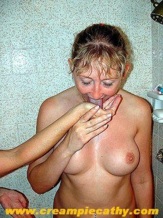 Girlfriends exjoying warm peing extreme sex