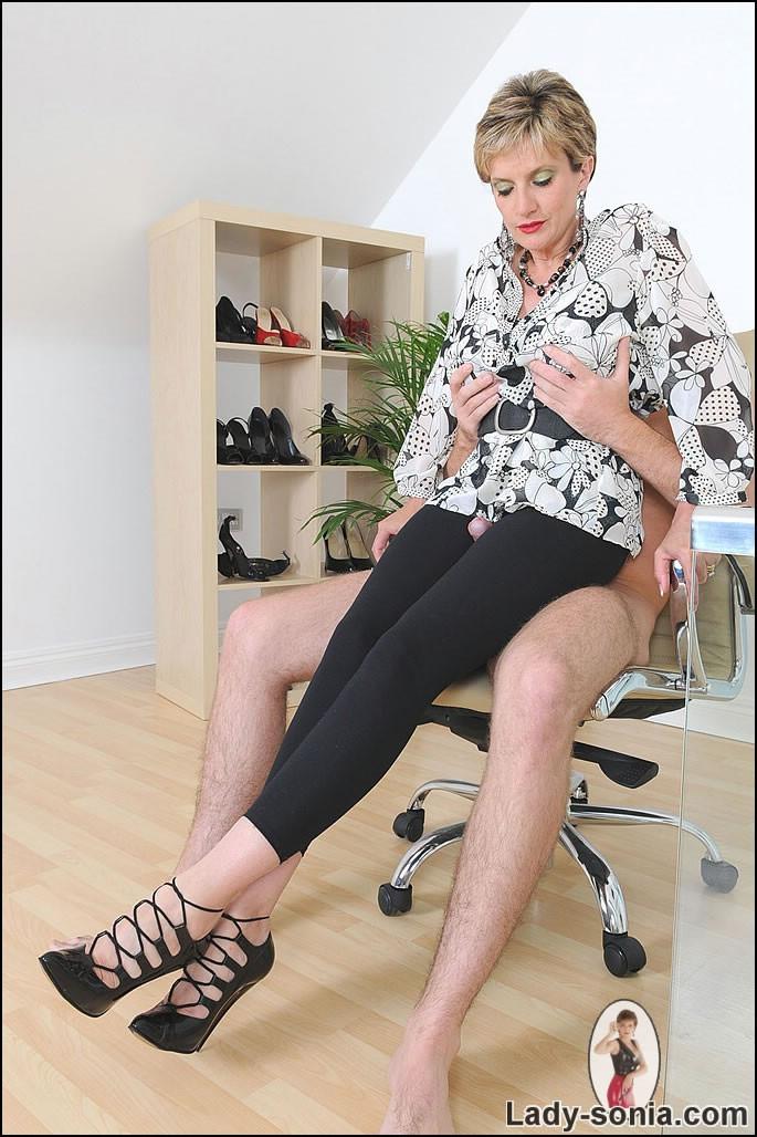 Teen nude big booty bent on