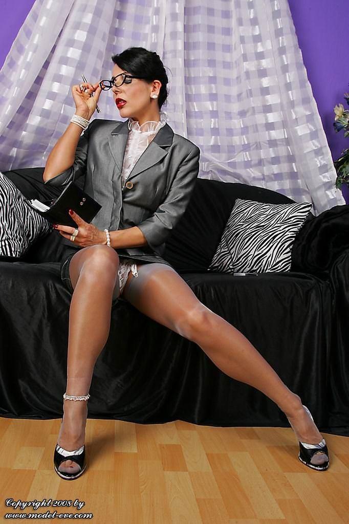могу, сказала сексуальные и шикарные бизнес леди фотообои почитаю удовольствием