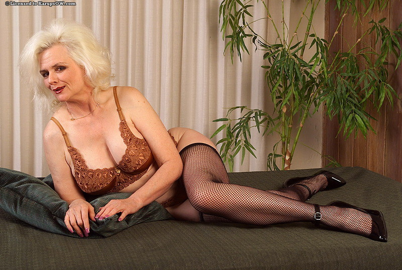 Sexy older women mature join
