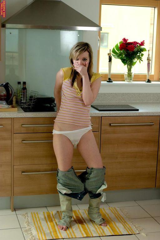 Hot teen girl peeing in her white cotton panties i