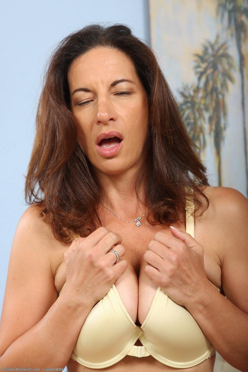 Erotik massage stockholm tjejer med stora brost