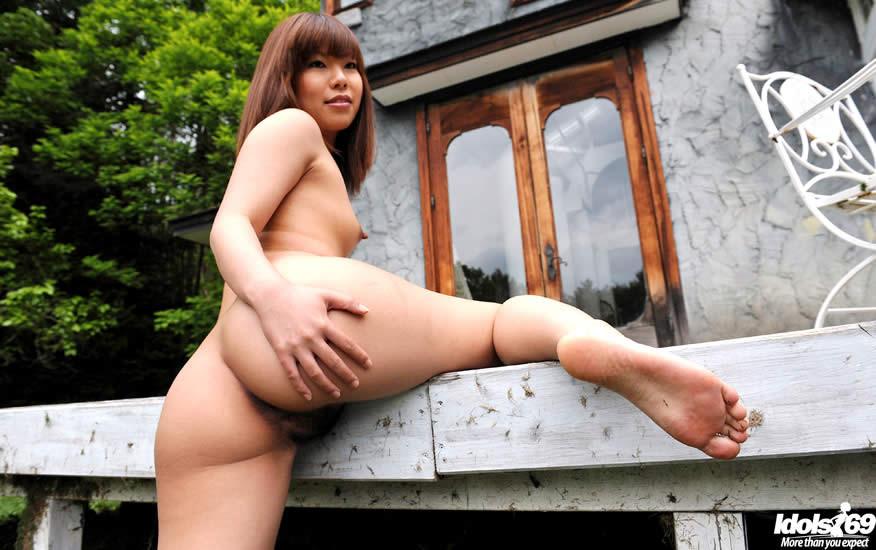 Naked lady barbara upskirt