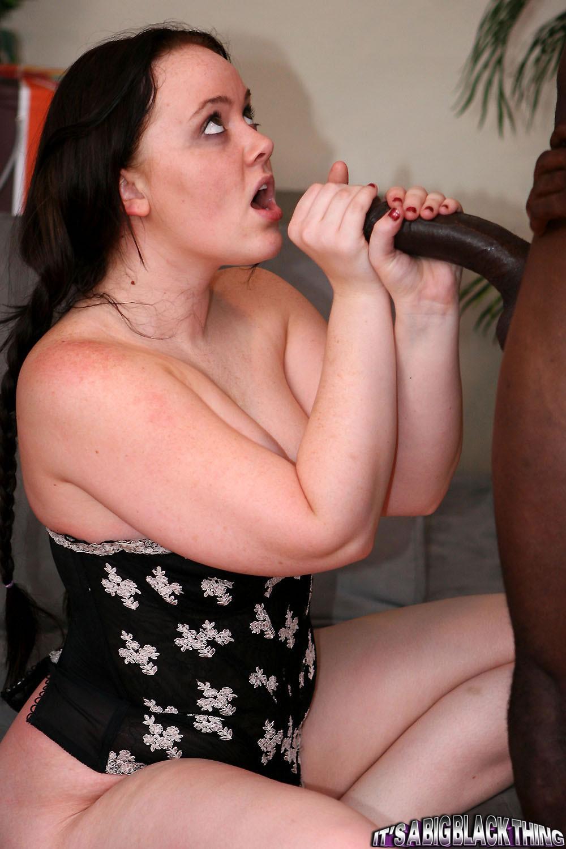 Amber Peach порно модель