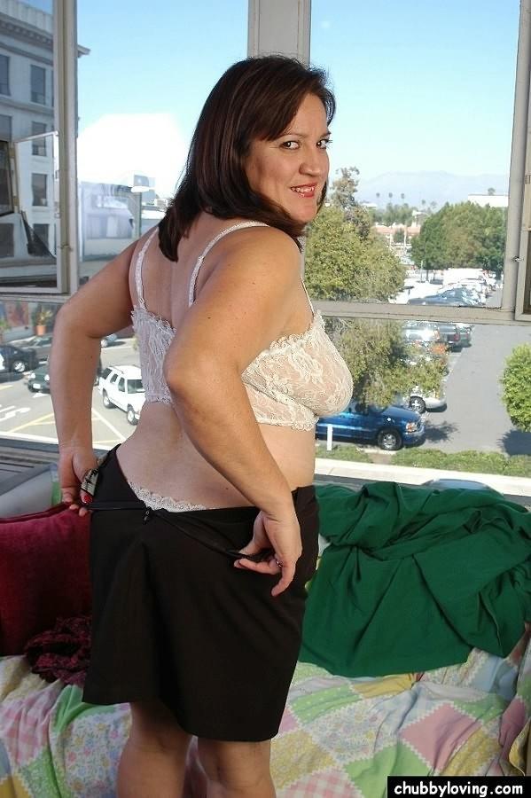 Chubby mature big tit brunette consider