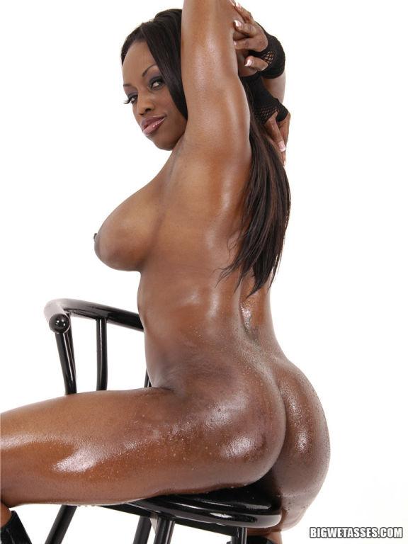 Jada Fire Oils Up Her Sweet Round Ass And All Natu