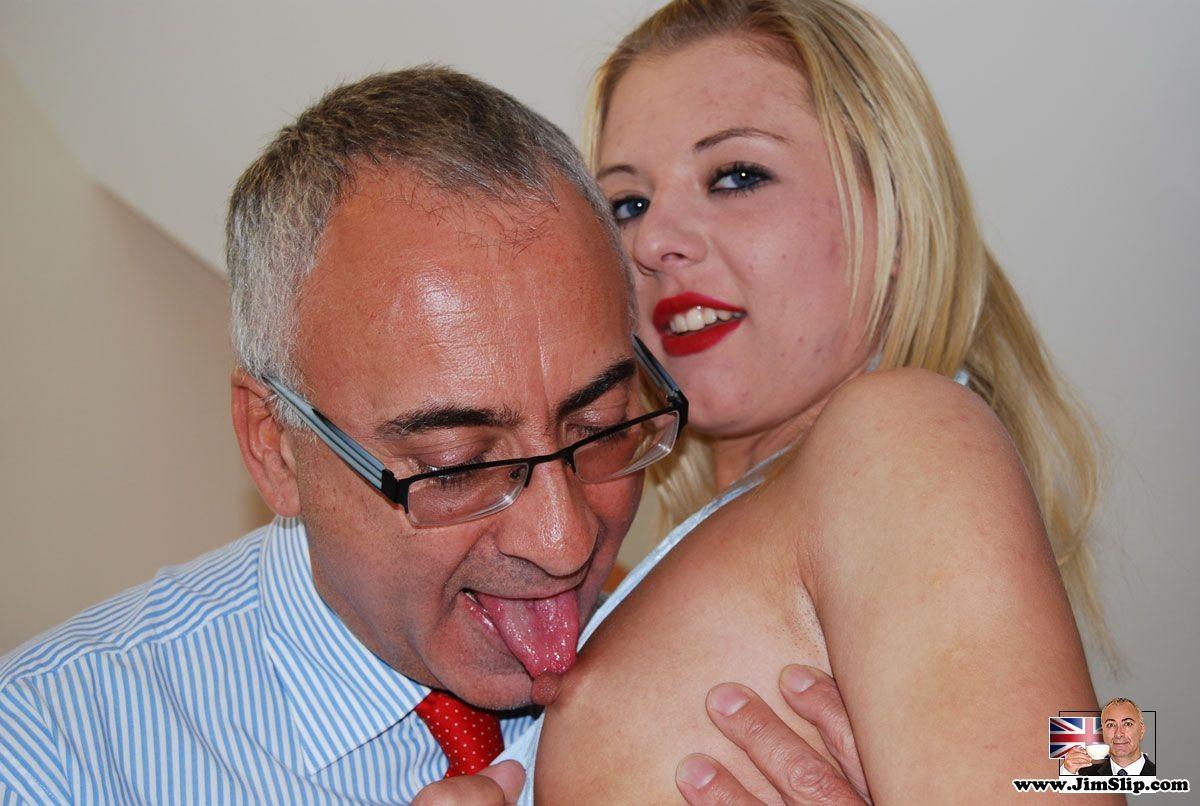 my bosss daughter boob scene