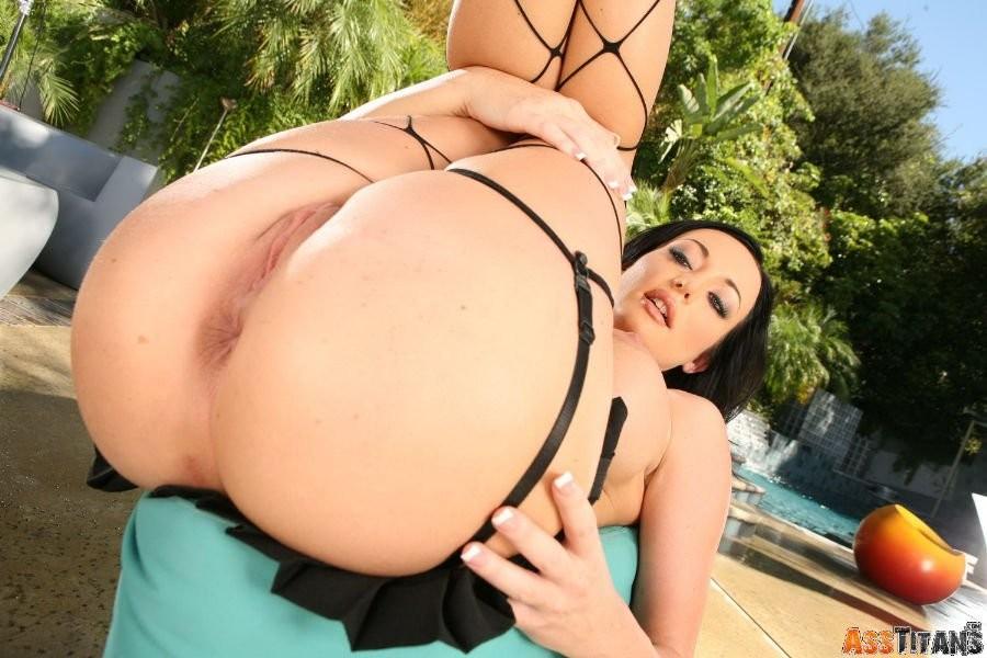 Brooke burke lesbian porn