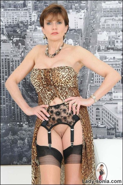 Lady Sonia in leopard lingerie and nylons