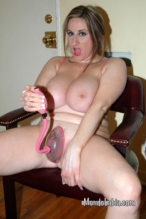 milf huge pussy