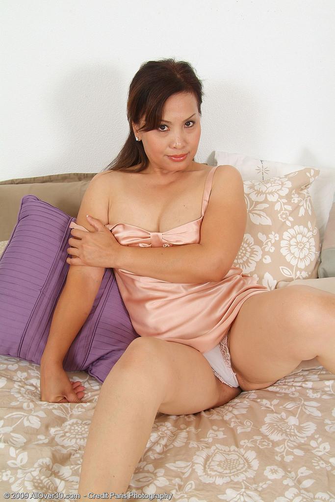 Asian ladyboy fucking stockings shemale tranny porn
