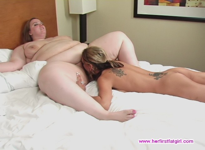 Lesbian Sisters Pussy Eating