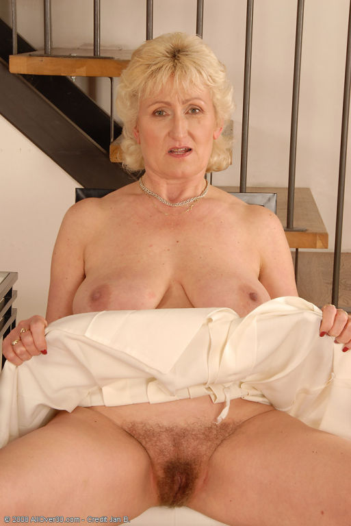 55 and still got great boobs