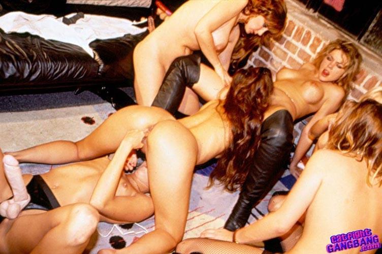 Lesbiyan fucks licking vidya
