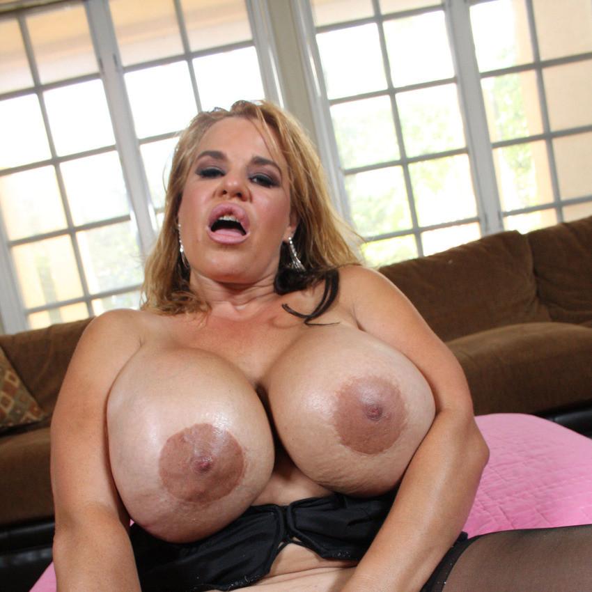 Nude big tits freak