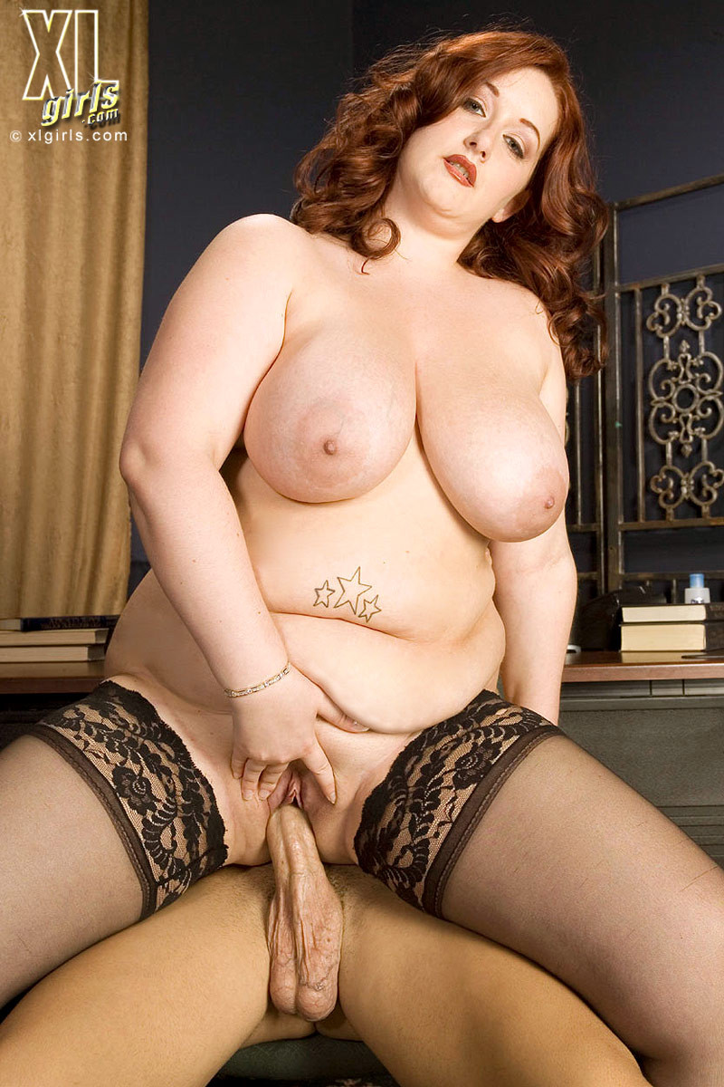 Reyna Mae порно модель