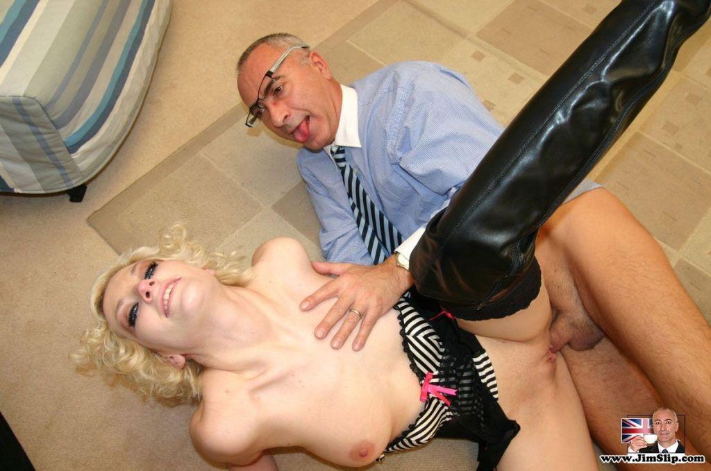 Blonde Uk slut enjoys senior cock inside her gapin