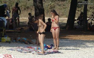 Hot bikini pics with sexy girls with nude titties
