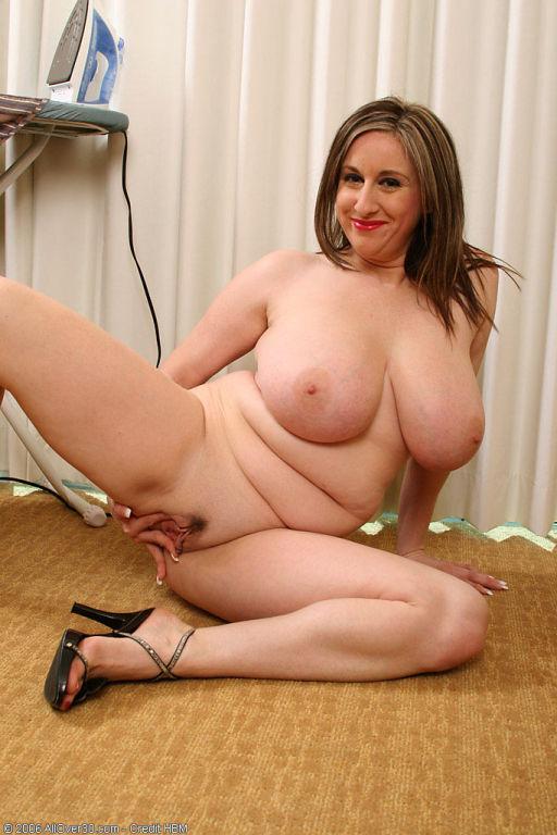 Kitty got some big old milf titties