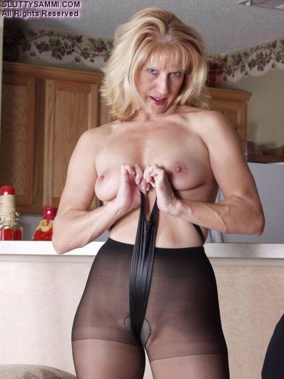 Bsuty mature nylon model Slutty Sammi
