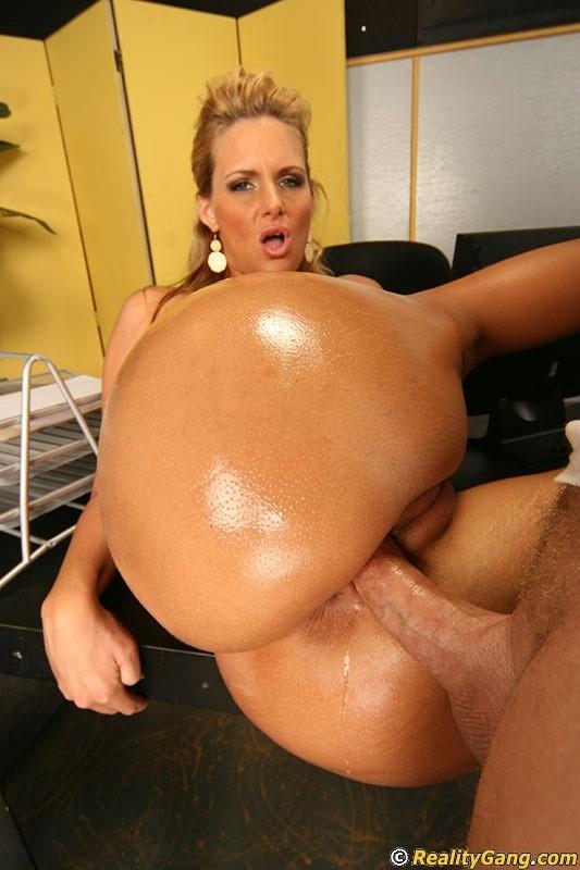 Busty Pornstar Phoenix Marie Flaunts Oiled Bubble Butt Gets Tubepornstars 1