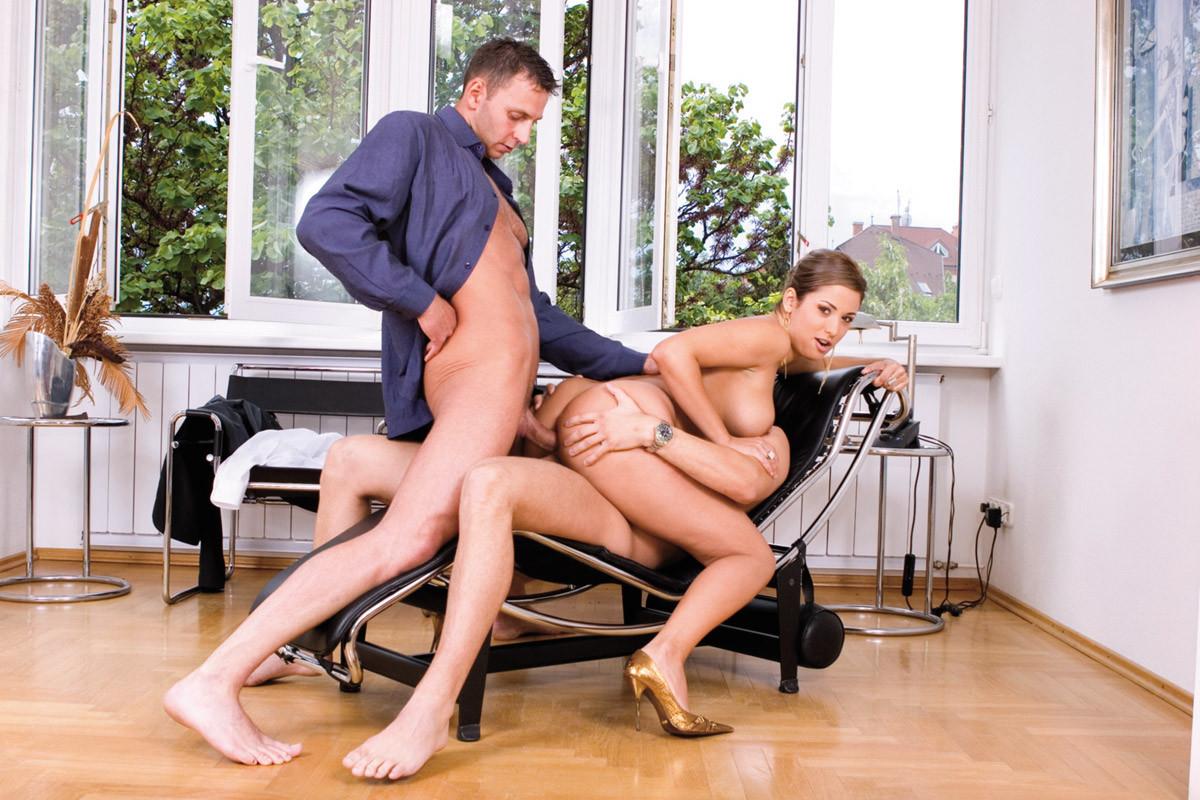 бизнес леди и прислуга порно некоторым вопросам