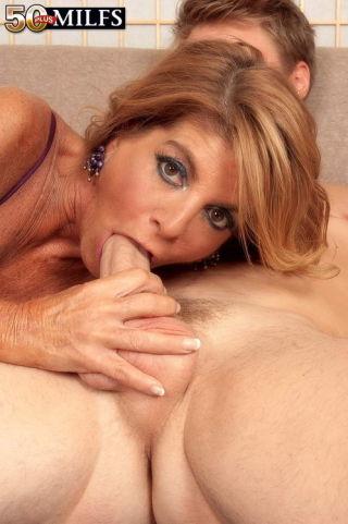 Nude hot women getting anal