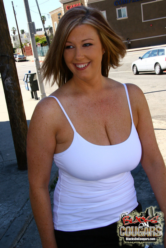 Big Tits Babe Threesome