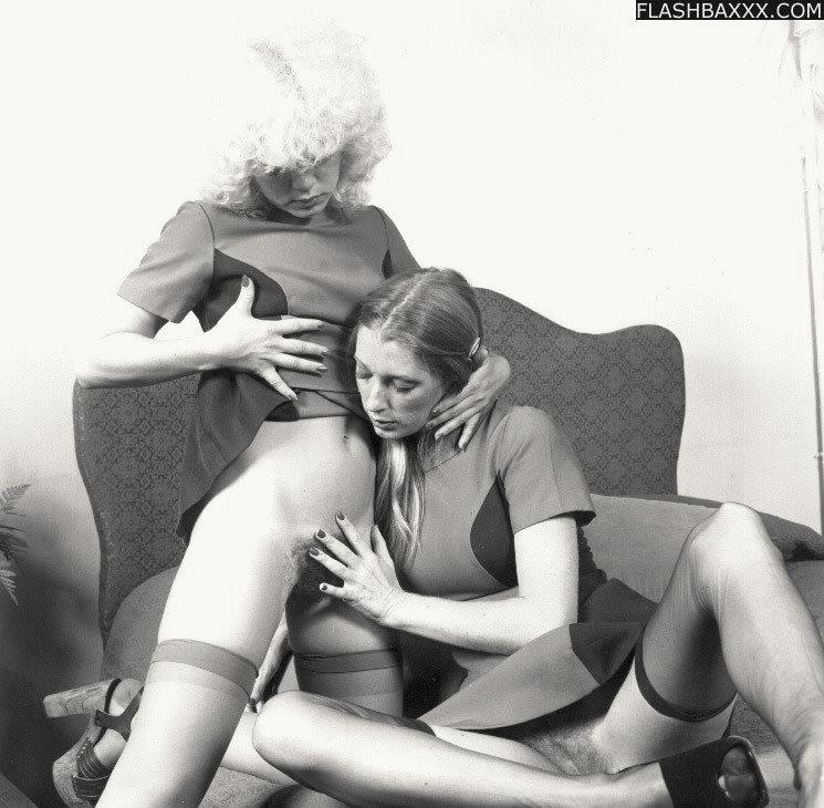 naked retro lesbian snatch lesbians ...