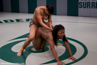 Two black bitches catfight to see who gets fucked