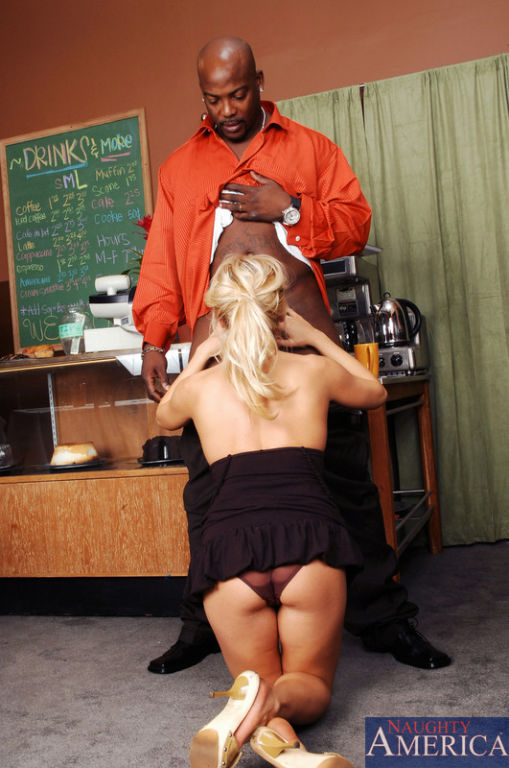 Paris Gables loves serving her favorite customer h