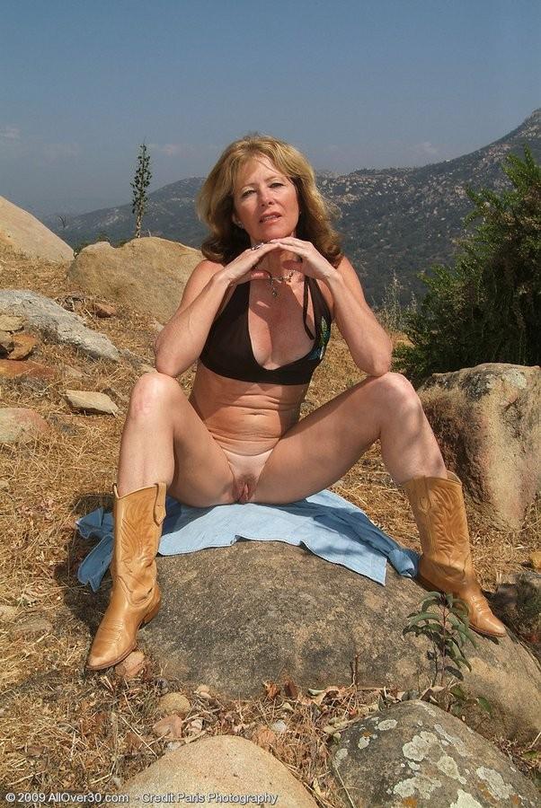 36dd boobs naked