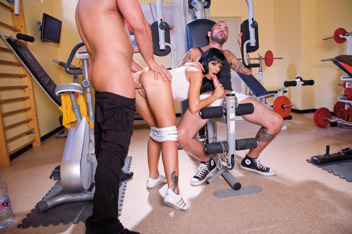 идеальные формы смотреть порно в спортзале все видео струйный оргазм