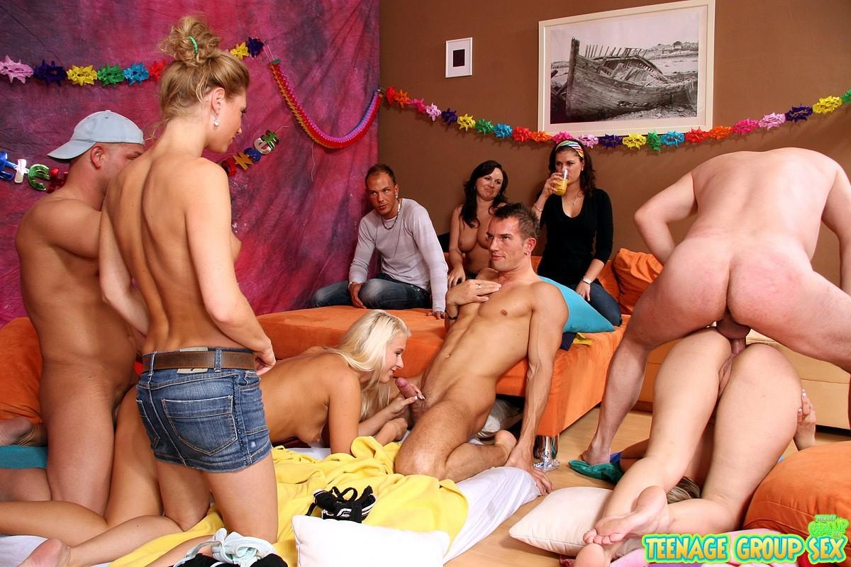 Секс Вечеринка Целки