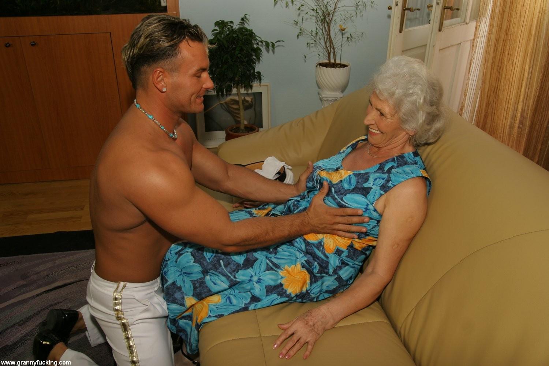 Hot grannys fucking porn