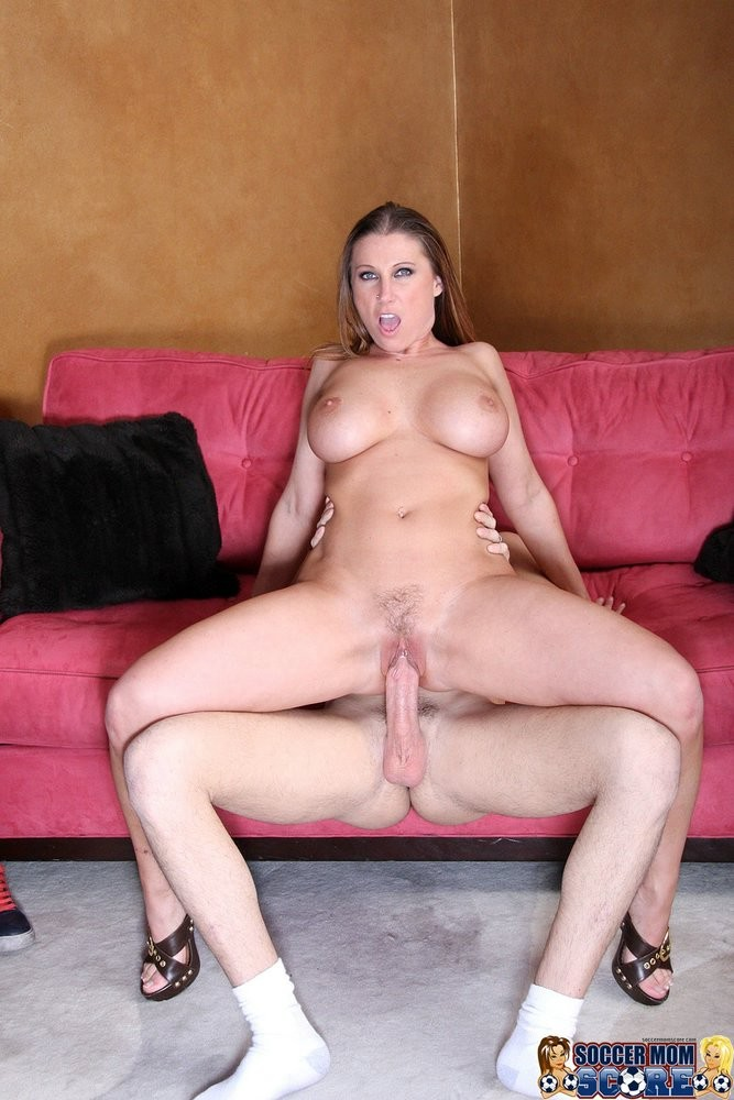 Sexy mature women red nude