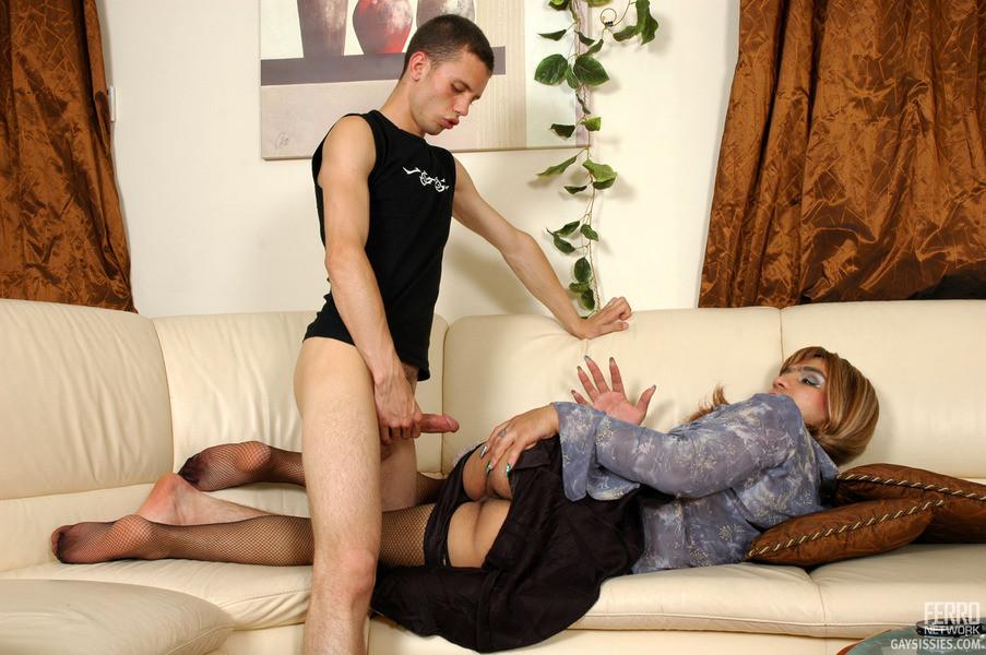Порно Гей В Платье