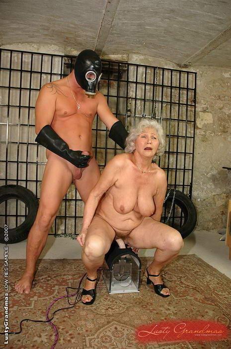 Порно Унижения Бабушки